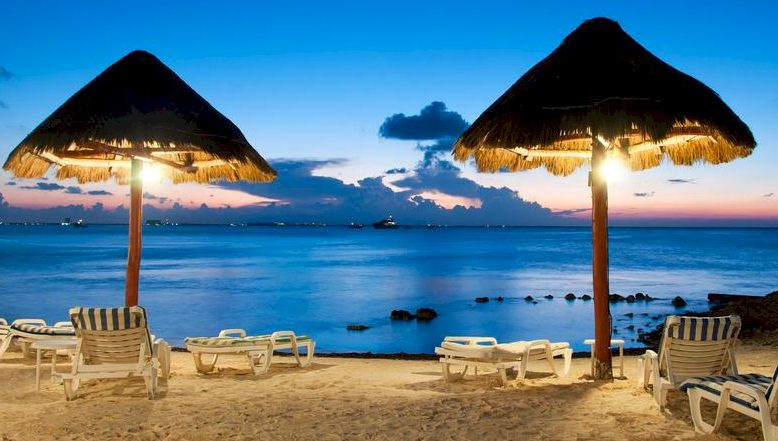 cancun-evening-beach