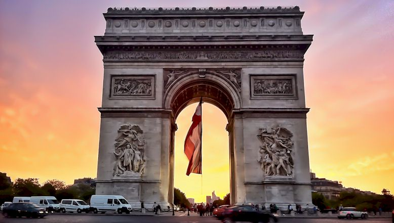 vacation-paris-arc-de-triomphe